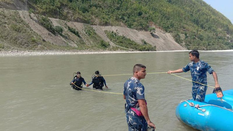 रुकुम घटना ः हिउँ पग्लिएर नदी धमिलो भएकाले गोताखोरलाई बेपत्ता खोज्न कठिन