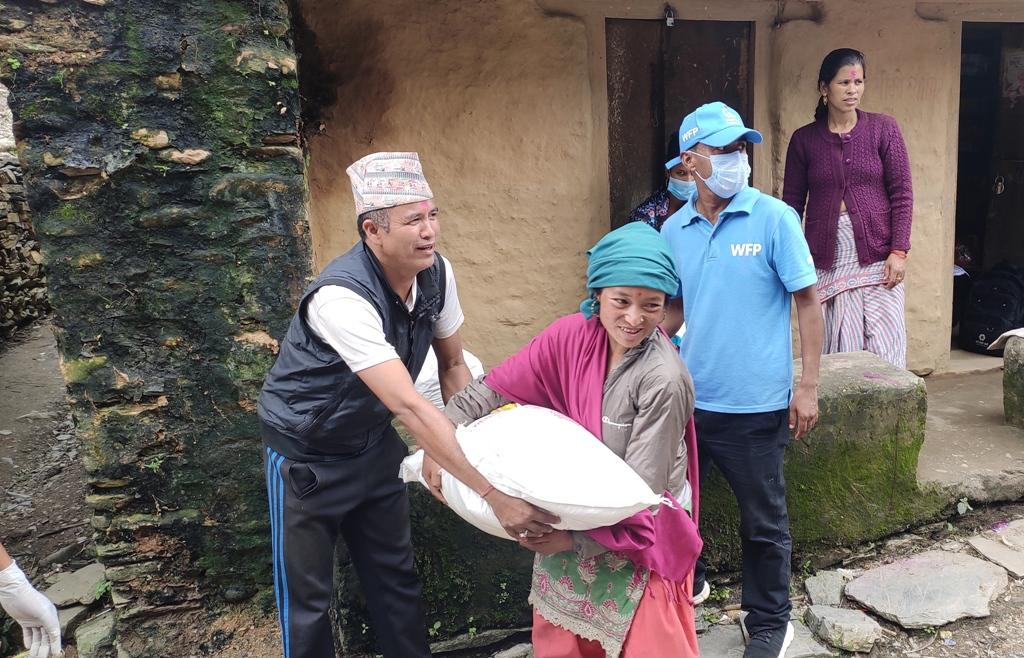 विश्व खाद्य कार्यक्रम द्धारा ७७४ विपन्न परिवारलाई खाद्यान्न सहयोग