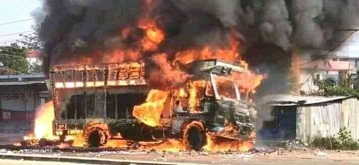 कोहलपुर रणभुमीमा परिणत: बालिका किच्ने ट्रकमा स्थानिय द्ववारा आगजनी : नेपाल प्रहरीको कर्फु जारी