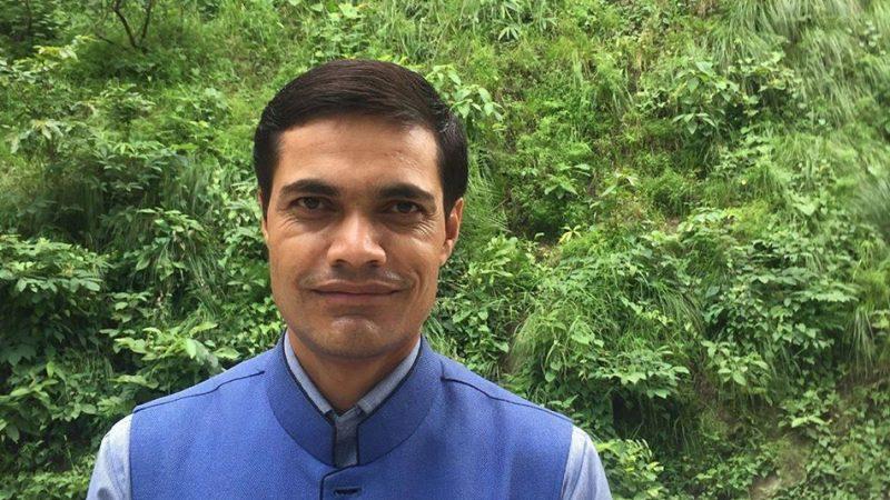 नेकपाका नेता-कार्यकर्ता : शक्ति र सम्पत्ति हत्याउने खेलमा !