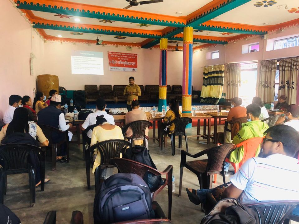 किशोर–किशोरी मैत्री सेवाका लागि स्वास्थ्यकर्मीलाई अभिमुखिकरण