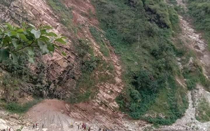 जाजरकोटमा जीप दुर्घटना ः पिडितले शव बुझ्न मानेनन्